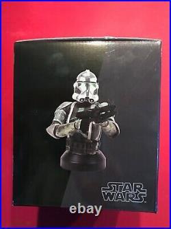 GENTLE GIANT Star Wars COMMANDER GREE Mini Bust Exclusive NIB 2196/2500 ROTS