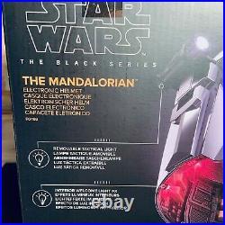 Star Wars The Black Series The Mandalorian Premium Electronic Wearable Helmet